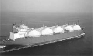 LNG ship with spherical tanks